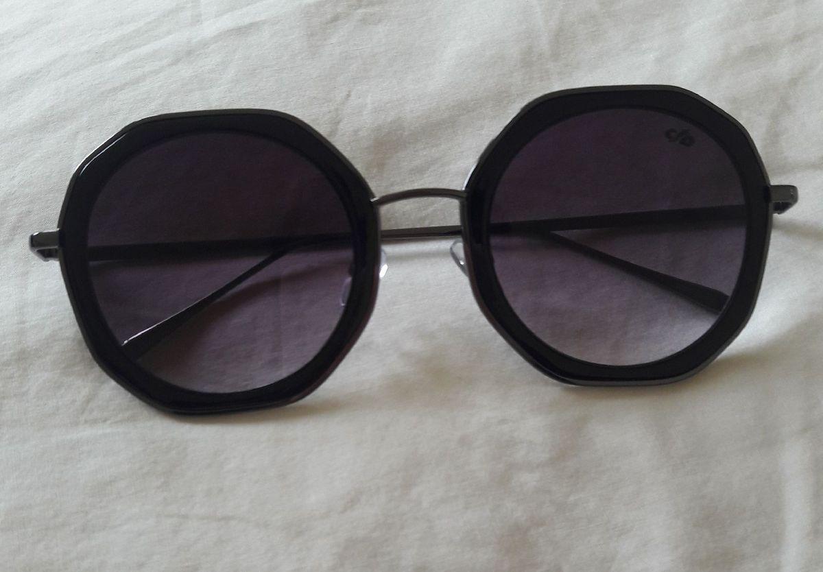 8651a7dac Óculos Redondo Grande Aro Fino | Óculos Feminino Chilli Beans Usado ...