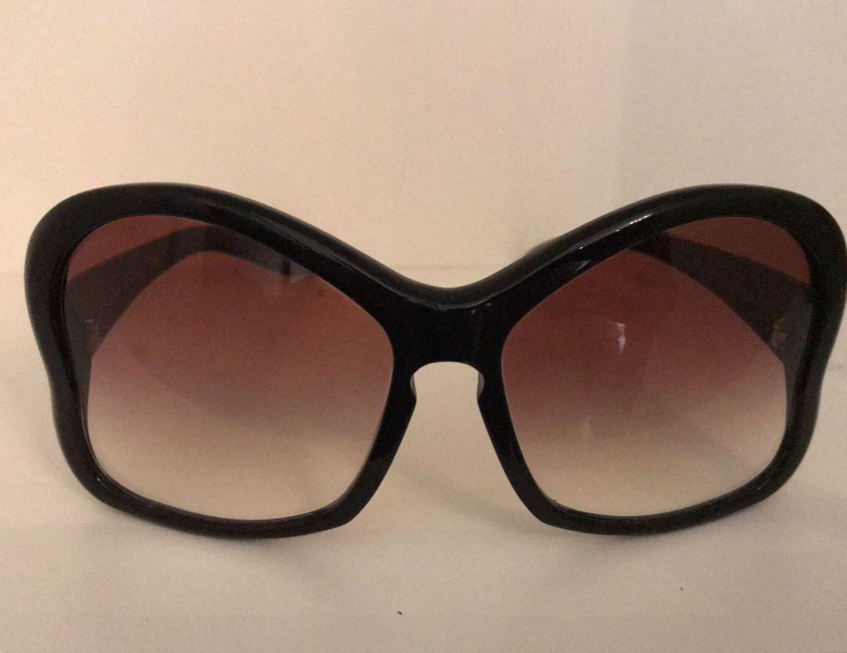 8db71bbf0 óculos solar prada butterfly - óculos prada.  Czm6ly9wag90b3muzw5qb2vplmnvbs5ici9wcm9kdwn0cy84ndu3ody5lzhingy5ngq5zdu5zjiyzgi1ymnhntnjognhnduzytvklmpwzw