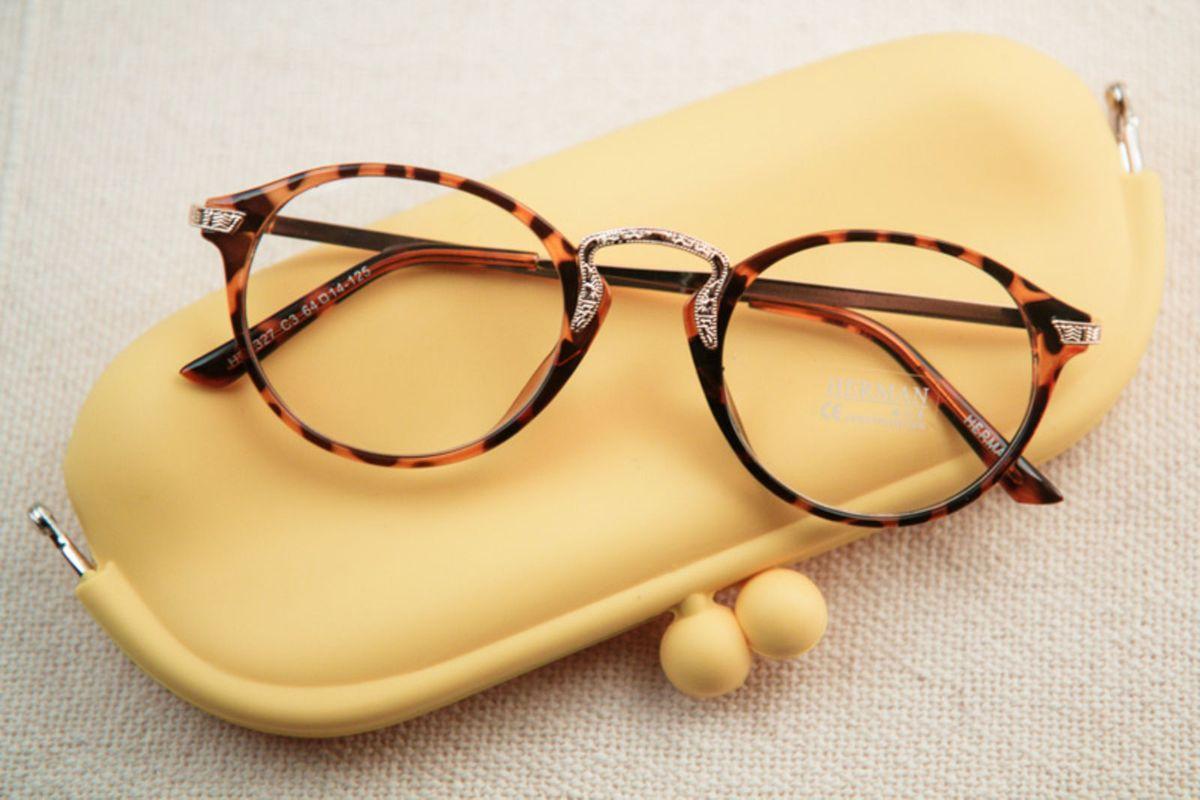 óculos tartaruga - óculos meus óculos.  Czm6ly9wag90b3muzw5qb2vplmnvbs5ici9wcm9kdwn0cy8xmdgznjuvmjy0njqznzc3oge4y2jjzdzhn2q0nmzhzgq2odc4yzeuanbn  ... 7a1025b199