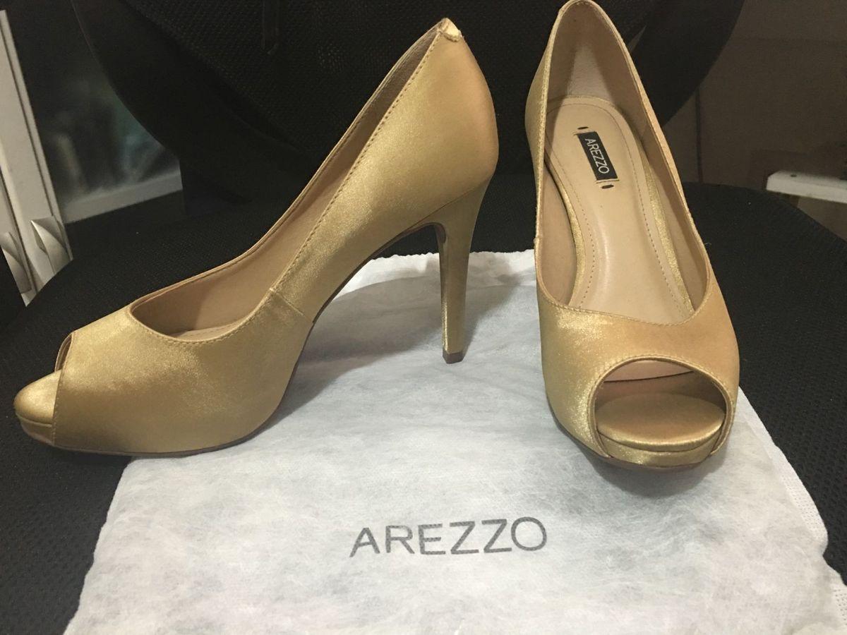 220419df2 Peep Toe Cetim Dourado Arezzo!!! Tam. 35.   Sapato Feminino Arezzo ...