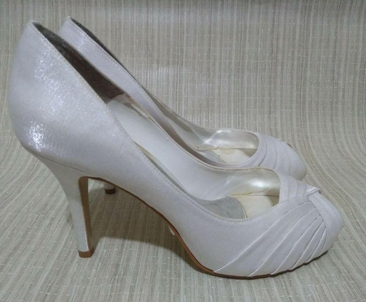 addad304a8 peep toe laura porto branco noiva - sapatos laura-porto