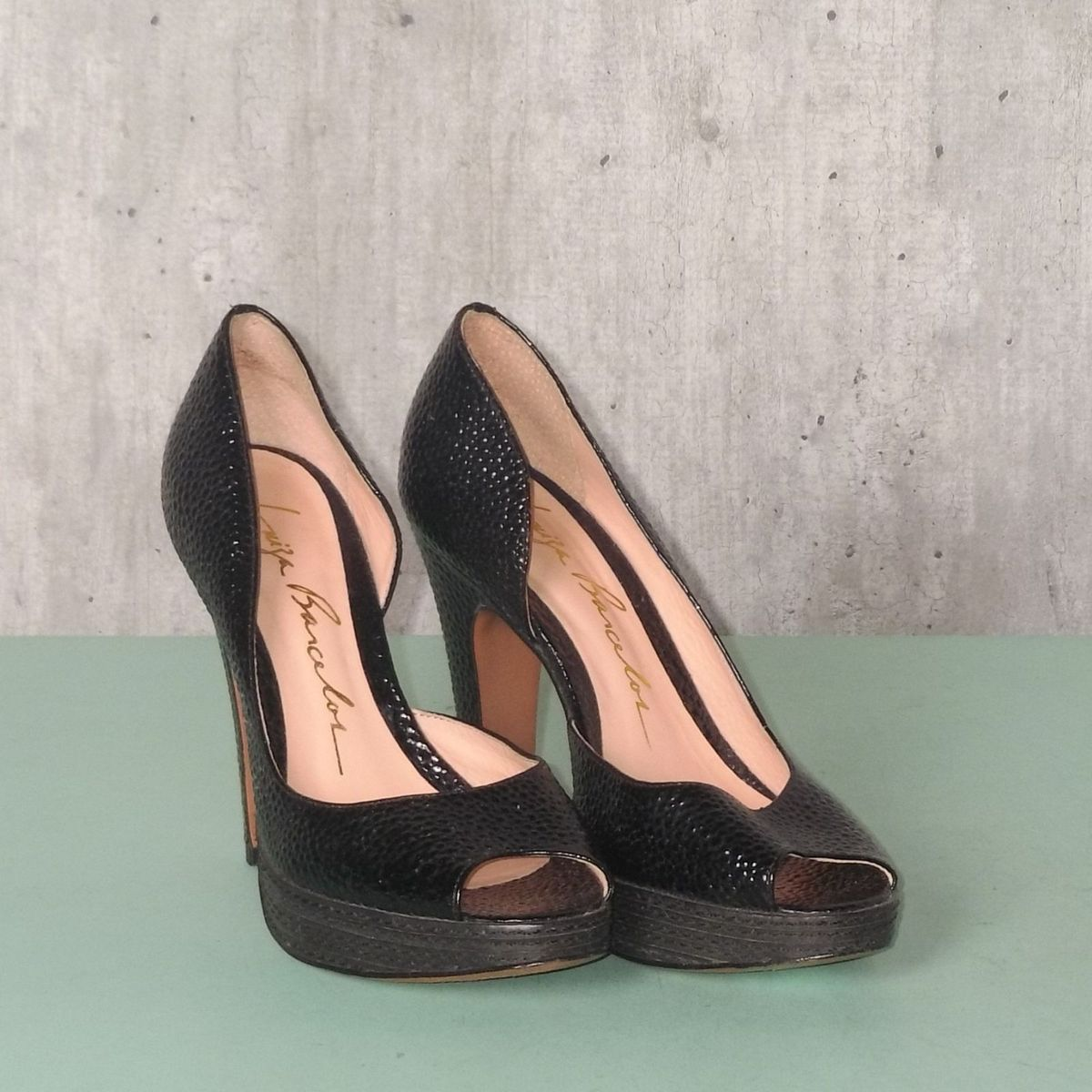df0cb5c411 peep toe preto luiza barcelos - sapatos luiza barcelos