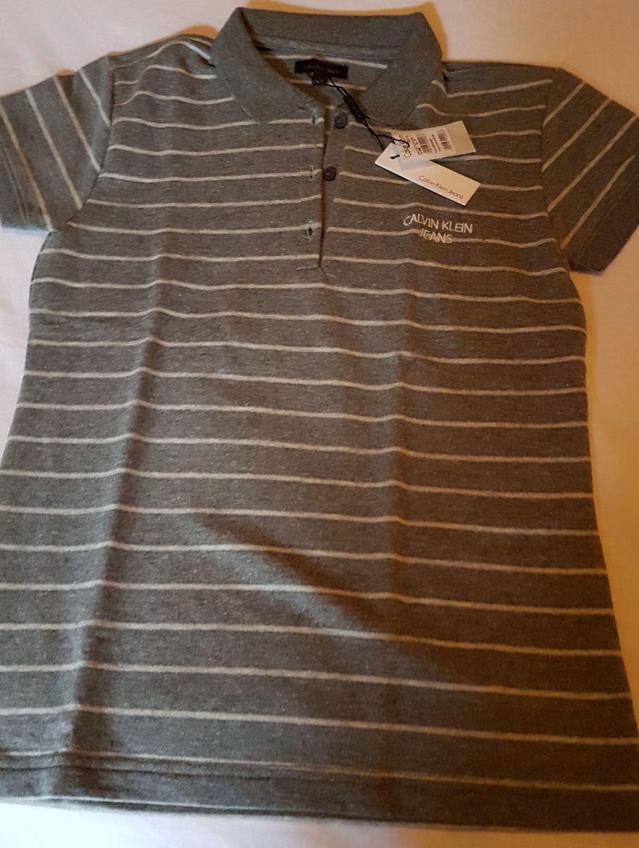48d049b6ab7ae polo calvin klein cinza listras branco - camisetas calvin klein