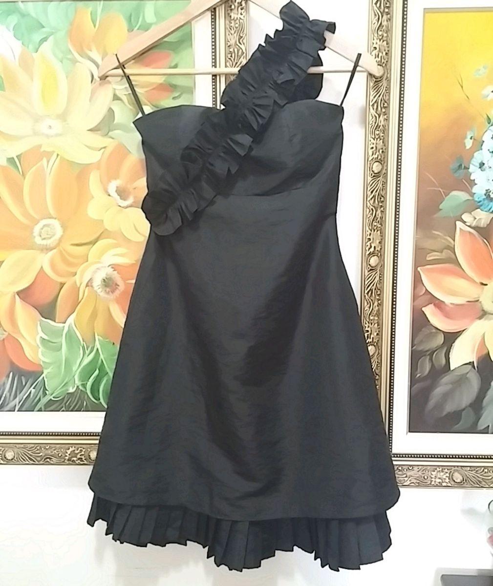 vestido preto de um ombro só - vestidos eklacia-by-j-cosi