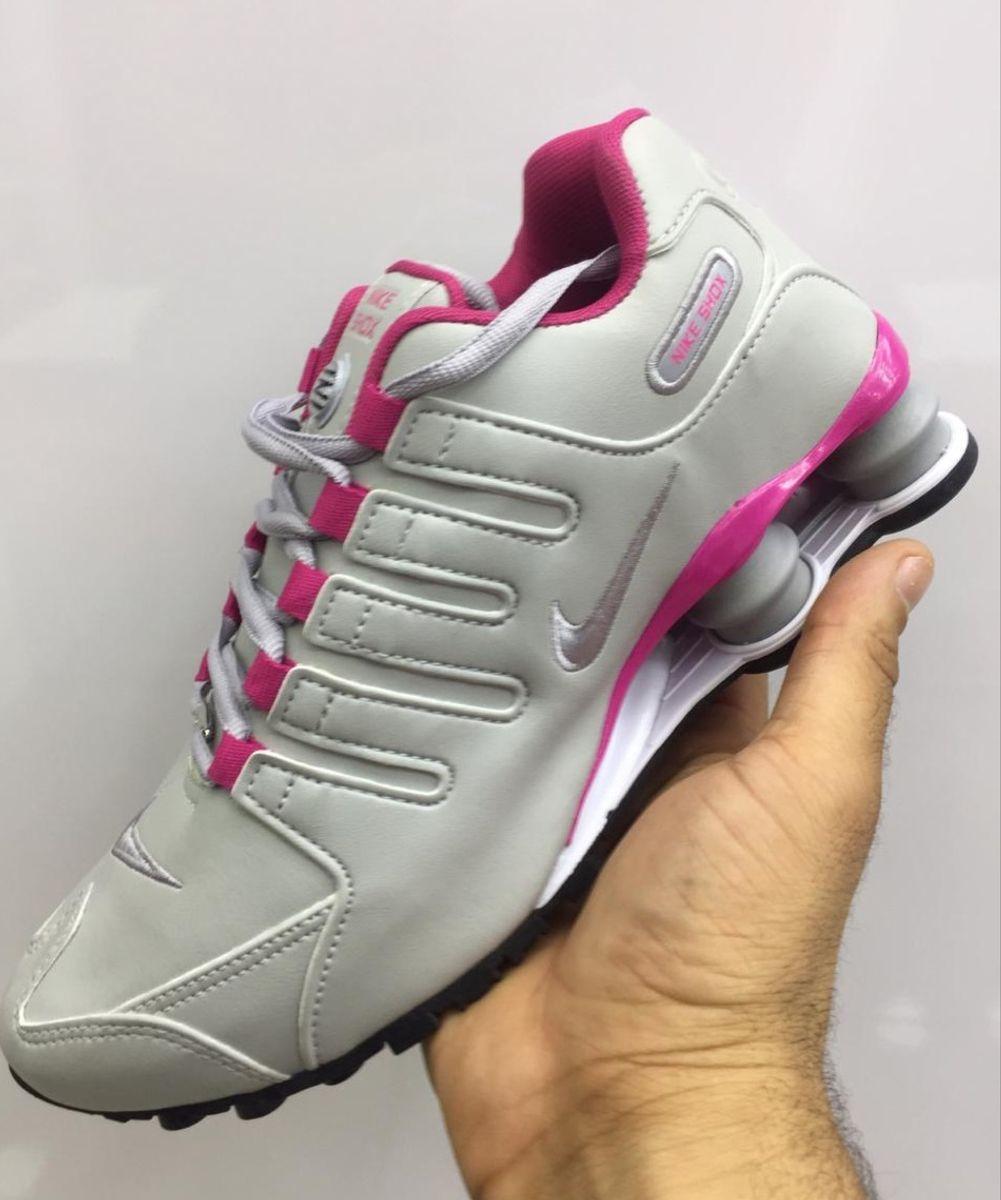 nike shox feminino cinza e rosa