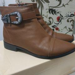 5d2bb75654 bota marrom cano curto