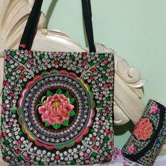 d1809e187 bolsa estilo indiana com carteira tecido toda bordado ...muito dengosa.