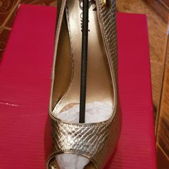 d96099e50 Sapato Ouro Velho Festa   Comprar Sapato Ouro Velho Festa   Enjoei