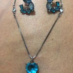 25d7675ed3467 conjunto colar longo e brincos ródio negro e zircônias azul transparente