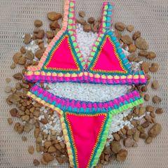 5f995b9c62db biquíni de crochê kiini neon rosa colorido tendência moda praia 2020