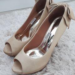 6a63db801e sapato alto vizzano cor dourado