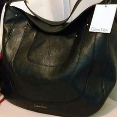 9e8566075 Bolsa Calvin Klein Preta Couro Grande Original Importada. R$ 450 ...