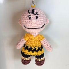 Chaveiro Amigurumi / Crochê Boneca Primavera-Parte 02 - YouTube | 240x240