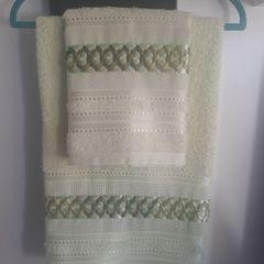 875121e31 toalha de banho e toalha de rosto santista (verde-oliva) - bordada de