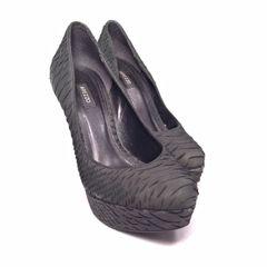 eddb1bd7d9 Sapato De Salto Alto E Bico Quadrado - Encontre mais belezas mil no ...