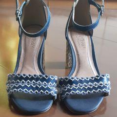 352abf6842 Sandalia Azul Clara - Encontre mais belezas mil no site  enjoei.com ...