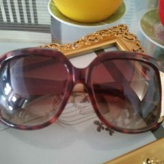 2854c2b67 oculos de sol da carmem steffens .