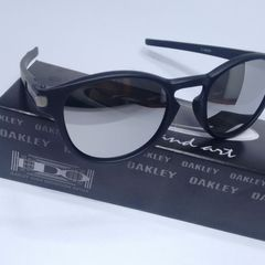 762f06437 óculos de sol oakley latch round espelhado prata importado