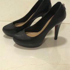a339b64e07 Sapato Preto Sola Vermelha