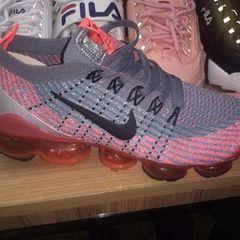 8c041f215b7 Tenis Nike Feminino Shox - Encontre mais belezas mil no site  enjoei ...
