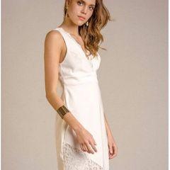 365f8872a Vestido Branco Com Renda E Decote Nas Costas   Comprar Vestido ...