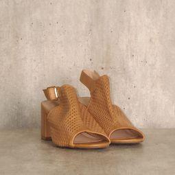 sandal boot marrom recortes arezzo 43976424