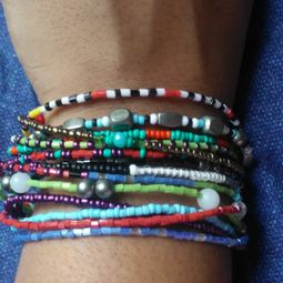 2 pulseiras micangas musthave 46294965