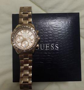 6bcac55cc2e51 Relógio Guess com Cristais Swarovski   Relógio Feminino Guess Nunca ...