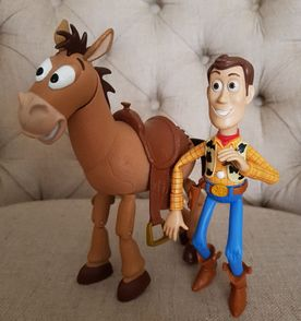 Woody Toy Story - Encontre mais belezas mil no site  enjoei.com.br ... 4d447ae5acb