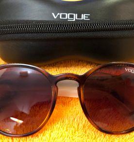 8ca9ac1d8fa7e Armacao Vogue - Encontre mais belezas mil no site  enjoei.com.br ...
