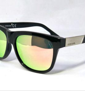 0e6506ce10b7e oculos de sol marca diesel modelo wayfarer em acetato preto brilhante