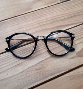 Oculos Redondo Vintage Caveira - Encontre mais belezas mil no site ... b3266ad50a