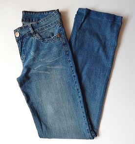 Calca Jeans Cintura Alta E Boca Reta - Encontre mais belezas mil no ... aad924dd982