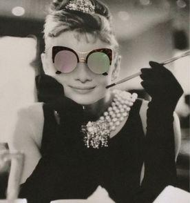 Oculos Gatinho Redondo - Encontre mais belezas mil no site  enjoei ... 643ab616c1