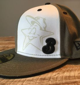 Bones New Era - Encontre mais belezas mil no site  enjoei.com.br ... baea9038228