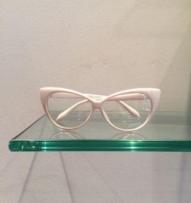 32759a8deecd6 Oculos Troca Frente - Encontre mais belezas mil no site  enjoei.com ...