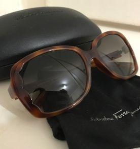 Óculos de Sol Vintage Valentino   Óculos Feminino Valentino Usado ... 0d2e89f00c