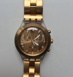 bf421381c3e Relogio Swatch Svck4032g - Encontre mais belezas mil no site  enjoei ...