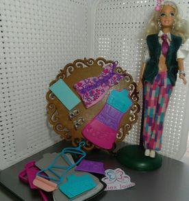 Roupas Da Barbie - Encontre mais belezas mil no site  enjoei.com.br ... e539da2cbefb6