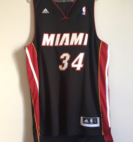 Camisas Nba - Encontre mais belezas mil no site  enjoei.com.br  948fb560c41