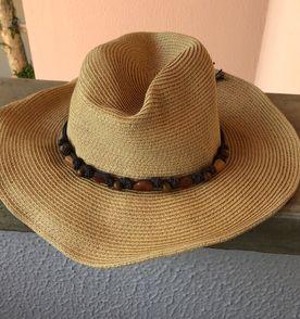 Chape De Palha - Encontre mais belezas mil no site  enjoei.com.br ... b555313d604