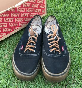 Tenis Vans Authentic Black Black - Encontre mais belezas mil no site ... 10509ea0b29