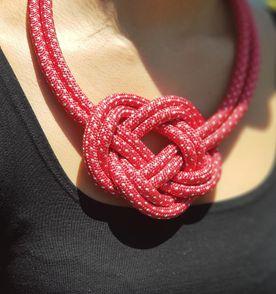 4aef4b4b08817 Colar Vermelho De Bolinhas - Encontre mais belezas mil no site ...