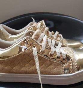 39087f82036 Tenis Offline Dourado Com Branco