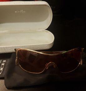 Oakley Liv - Encontre mais belezas mil no site  enjoei.com.br   enjoei ee7711cefb