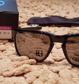 Oculos Oakley Holbrook - Encontre mais belezas mil no site  enjoei ... 1e0138463e