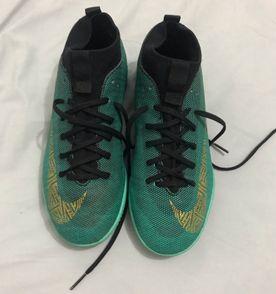 Tenis Nike Futsal - Encontre mais belezas mil no site  enjoei.com.br ... 9b202bebfa747