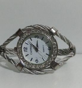 e36c5cd16c9 Quartz Relogio Bracelete - Encontre mais belezas mil no site  enjoei ...