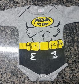 Body Batman Bebe - Encontre mais belezas mil no site  enjoei.com.br ... 8ed99473a73