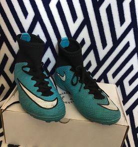 e2b21b9e6b Chuteiras Nike Campo - Encontre mais belezas mil no site  enjoei.com ...